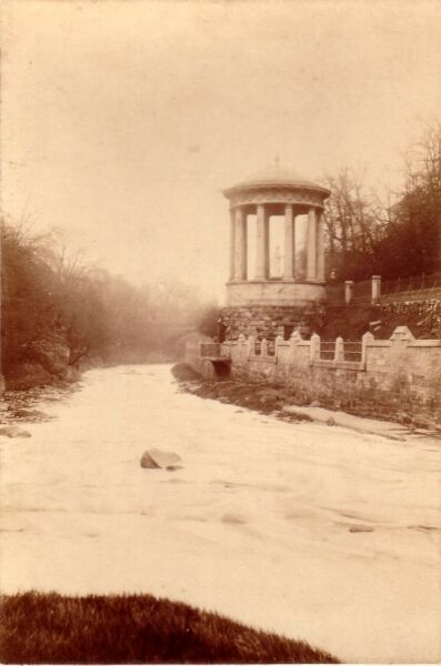 St Bernard's Well c.1900