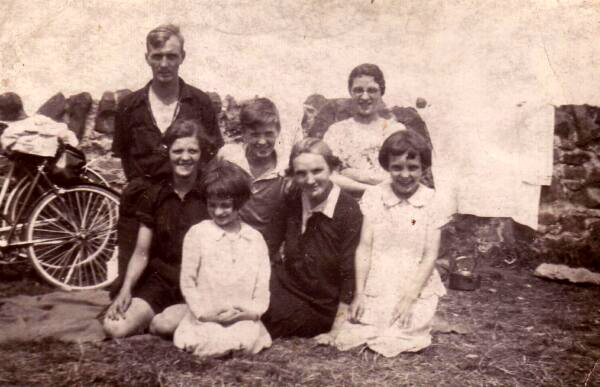 Family Cycle Run To Cramond 1930s