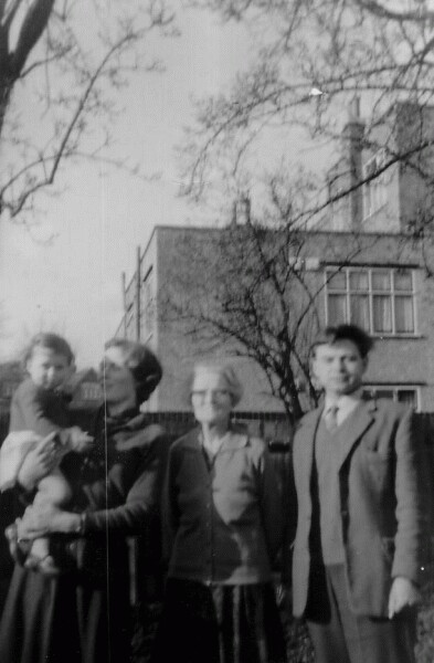 Family Holiday Visiting Relatives In Ealing, London c.1964