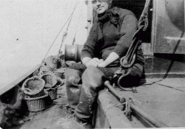 Cockenzie Fisherman At Sea On Trawler 1930s