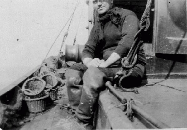 Cockenzie Fisherman At Sea On Trawler 1930s