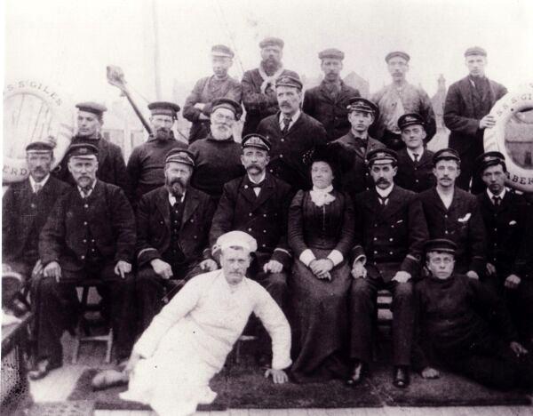 Crew Of SS St Giles c.1903