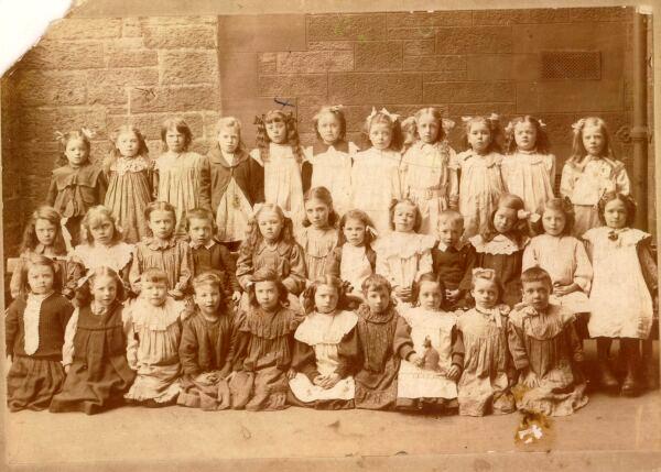 Milton House School Class Portrait 1910