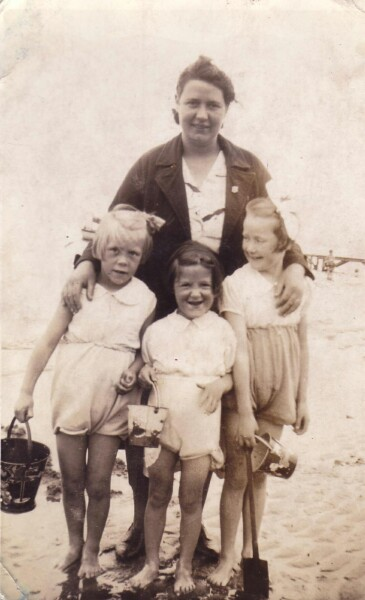 Sunday Outing To Portobello Beach 1938