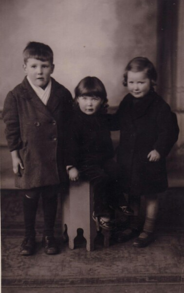 Studio Portrait Two Sisters And Cousin 1934