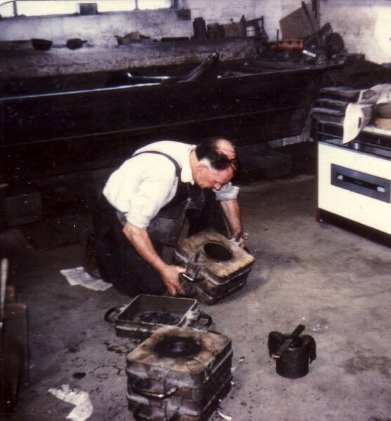 Foundry Worker At Charles Laing & Sons In Beaverbank Place 1976