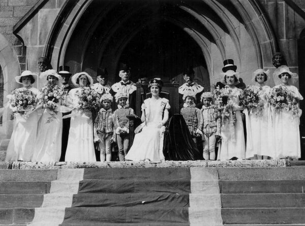 Festival Of The Beltane Queen At The Old Parish Church In Peebles c.1933