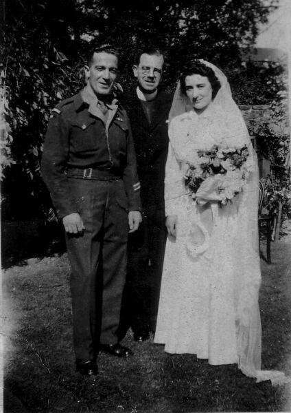 Soldier And Bride On Their Wedding Day Held At Buccleuch Parish Church By West Crosscauseway, 1st August 1945