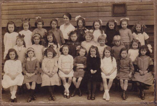Lorne Street Primary School Class Portrait c.1920