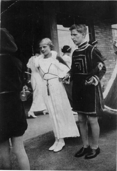 Ormiston Gala Day Maid And Consort 1939