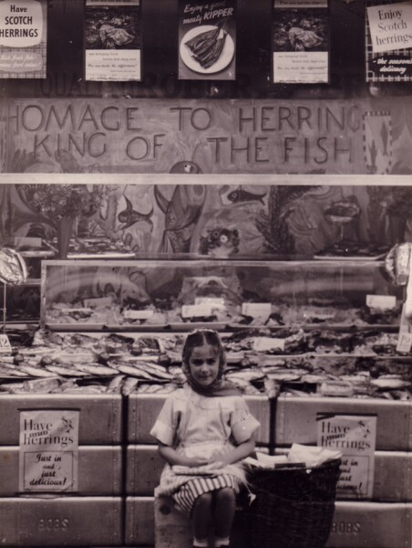 Young Girl Outside Robert Bros Fishmongers At Elm Row 1950