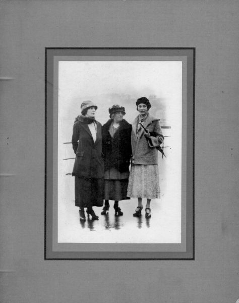 Three Women On Holiday In Rothesay c.1920