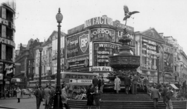 Statue Of Eros At Piccadilly Circus c.1955