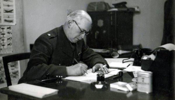Staff Member Scottish Command c.1940