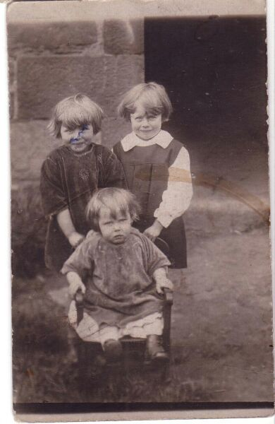 Three Young Children Playing In Wilkie Place 1925