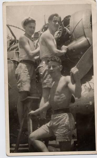 Aircraft Maintenance Crew 1940