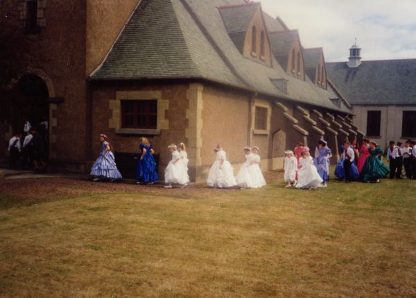 Gala Day Procession To Newtongrange Church c.1988