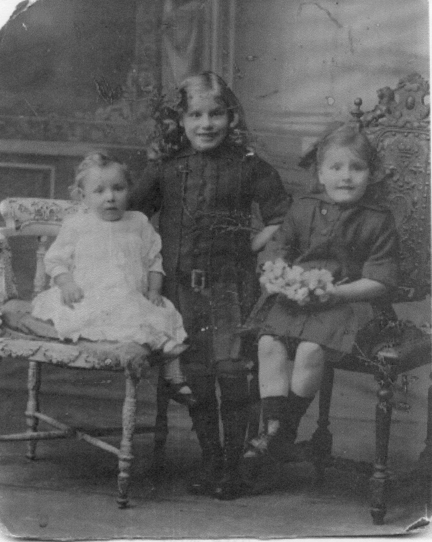 Studio Portrait Three Young Sisters c.1915