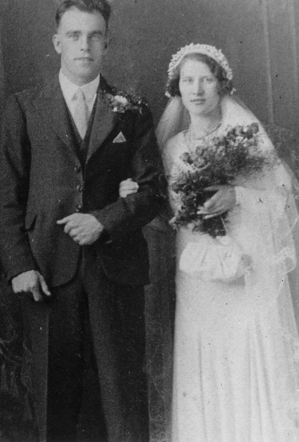 Newly Wed Couple, 27  July 1933
