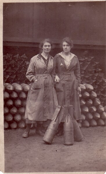 Female Munitions Workers 1916