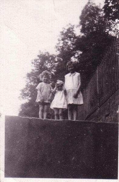 Children Standing By High Wall Along Water Of Leith 1929