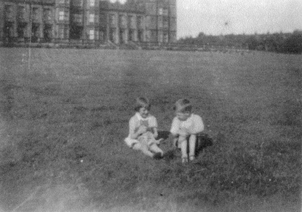 Young Brother And Sister With Cat In Grounds Of Donaldson's Hospital c.1932