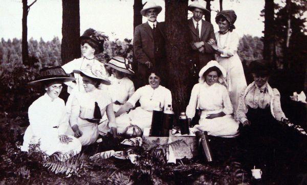 Edwardian Picnic c.1911