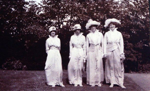 Edwardian Bridesmaids 1914