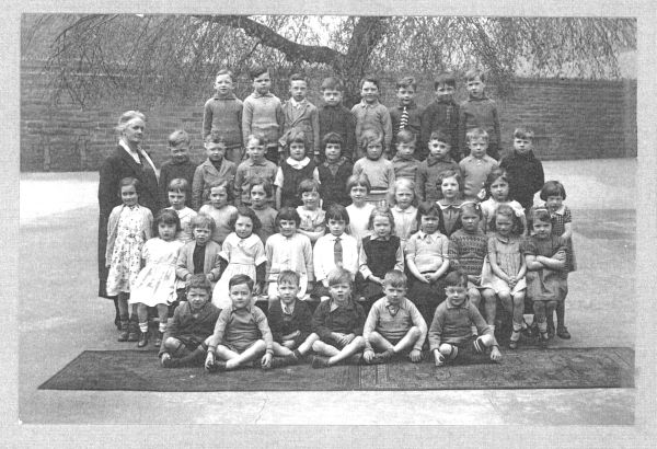 London Street Primary School Class Portrait c.1936