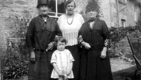 Women And Child Standing In Garden At Port Bannatyne c.1926