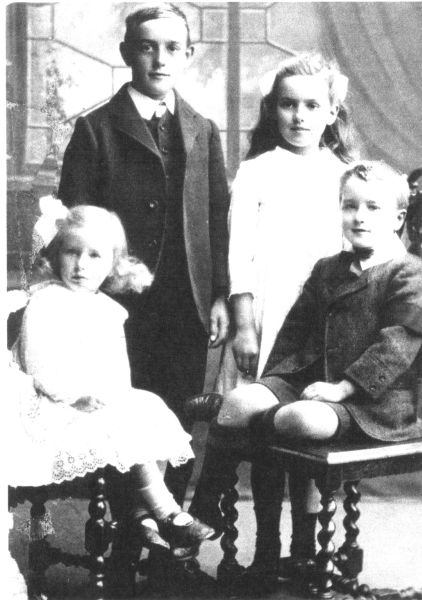 Studio Portrait Young Siblings c.1917