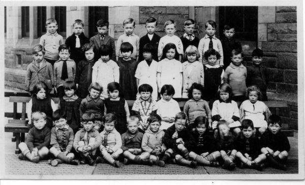 Dr Bell's Primary School Class Portrait c.1934