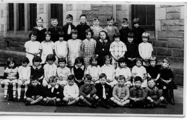 Dr Bell's Primary School Class Portrait c.1935