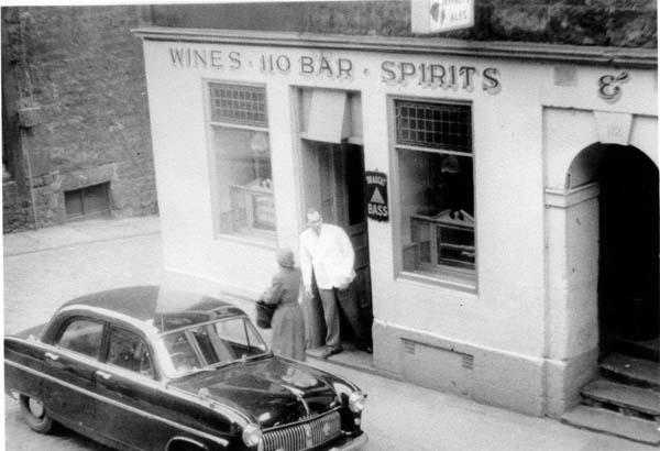 Pub At 110 Rose Street, Dec 1957
