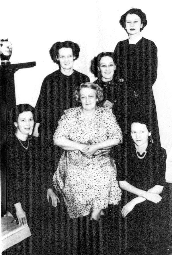 Mother Sitting With Her Five Daughters Around Her 1943
