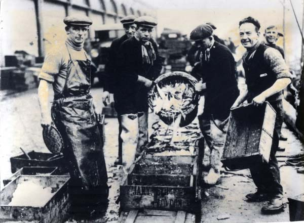 Fishermen Packing Salted Herring At Musselburgh 1930s