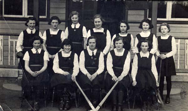 Bellevue Girls Hockey Team 1938