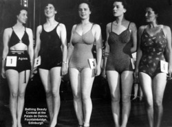 Bathing Beauty Contest, Palais De Danse