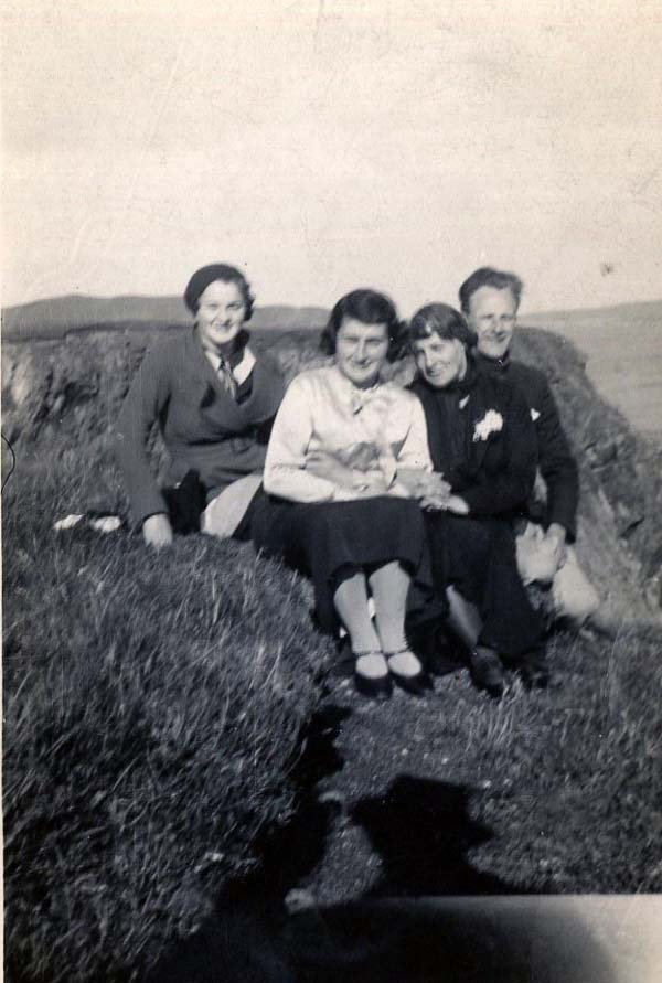Three Women And A Man Sitting By A Cliff 1930s
