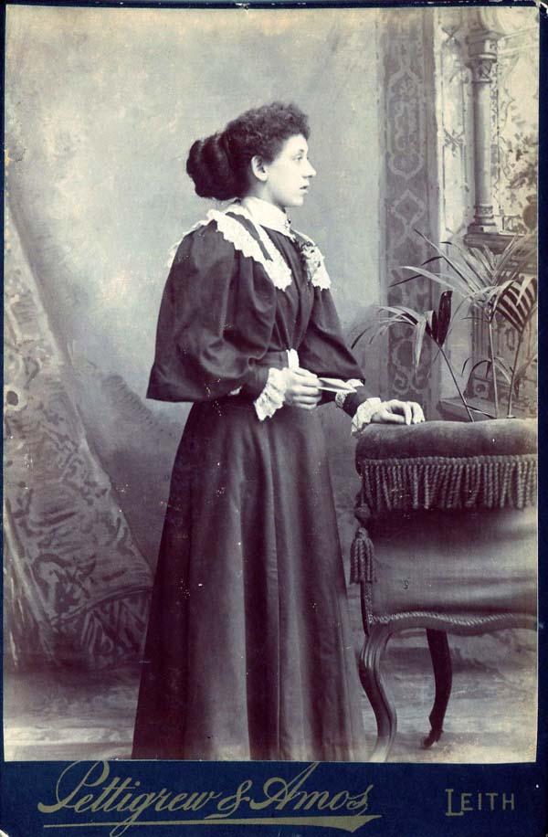 Studio Portrait Fin de Siecle Lady 1890s