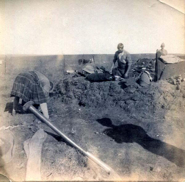 Soldiers Digging-In, Boer War 1899-1902