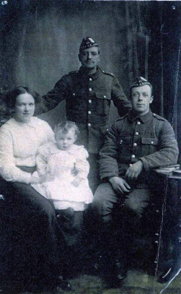 Studio Portrait Royal Scots And Family 1914-18