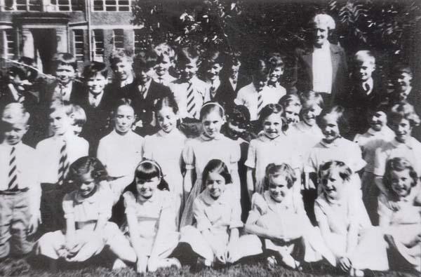Holy Cross Primary School Class Portrait 1958