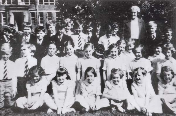 Holy Cross Primary School Class Portrait 1958