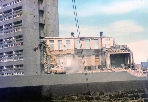 Demolition Of Couper Street School, August 1984