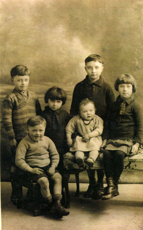Family Studio Portrait Children c.1930