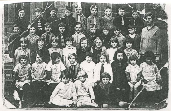 Yardheads Primary School Class Portrait c.1929
