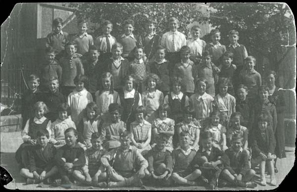 Yardheads Primary School Class Portrait c.1934