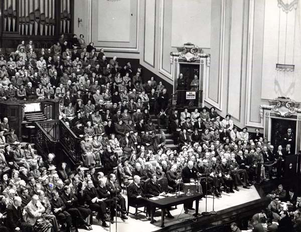 Winston Churchill Speaking At The Usher Hall 1950s