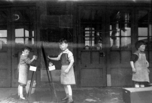 Nursery Children Washing Easel Blackboards 1960s